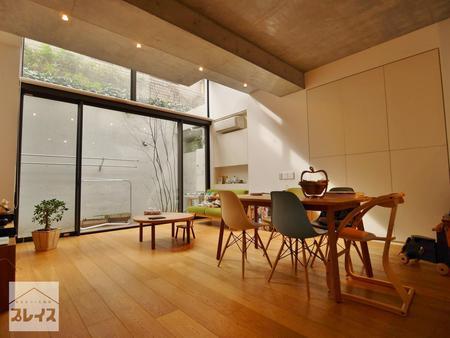 tradica 地下1階・1階<br>~デザイン性に富んだこだわりのコーポラティブハウスマンション~